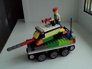 Танк БТ-1, как настоящий из конструктора Lego